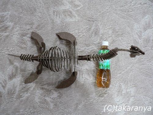 060328craftsaurus3.jpg