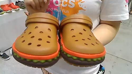 140705hamburger_crocs1.jpg