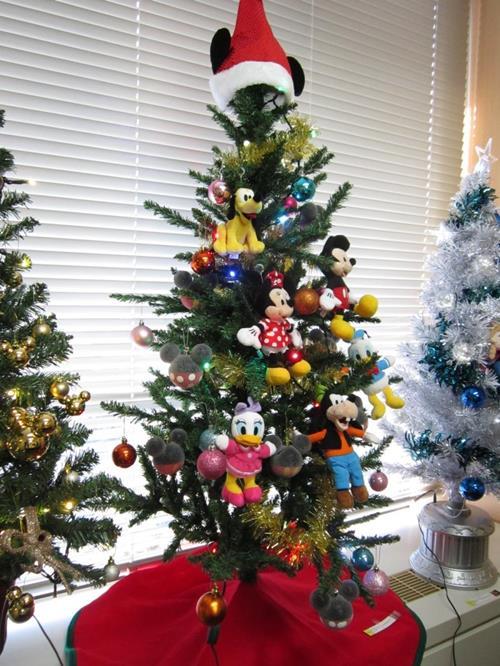 141214disney-tree2.jpg