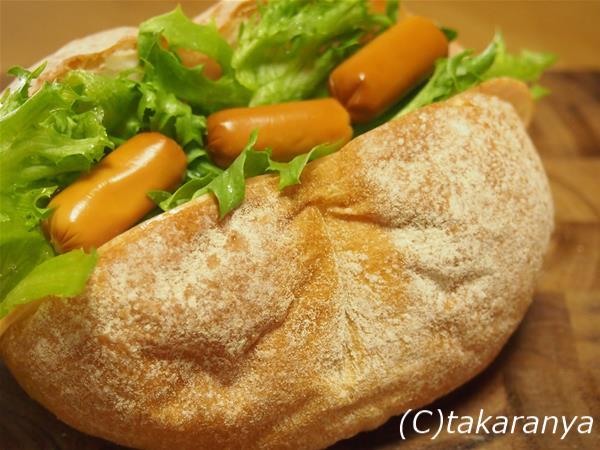 アンデルセンハイジの白パンでサンドイッチ