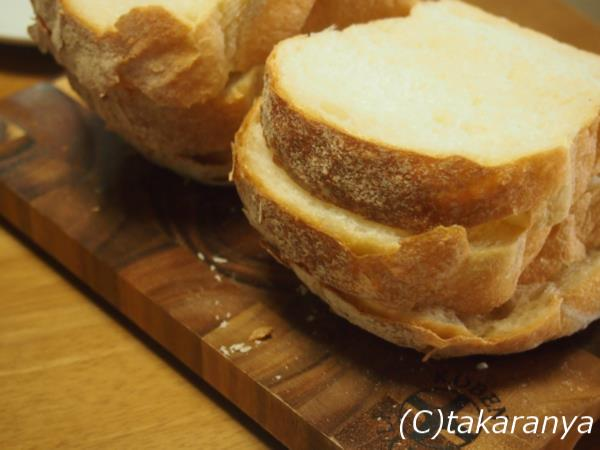 石窯パンを6枚に切ったところ