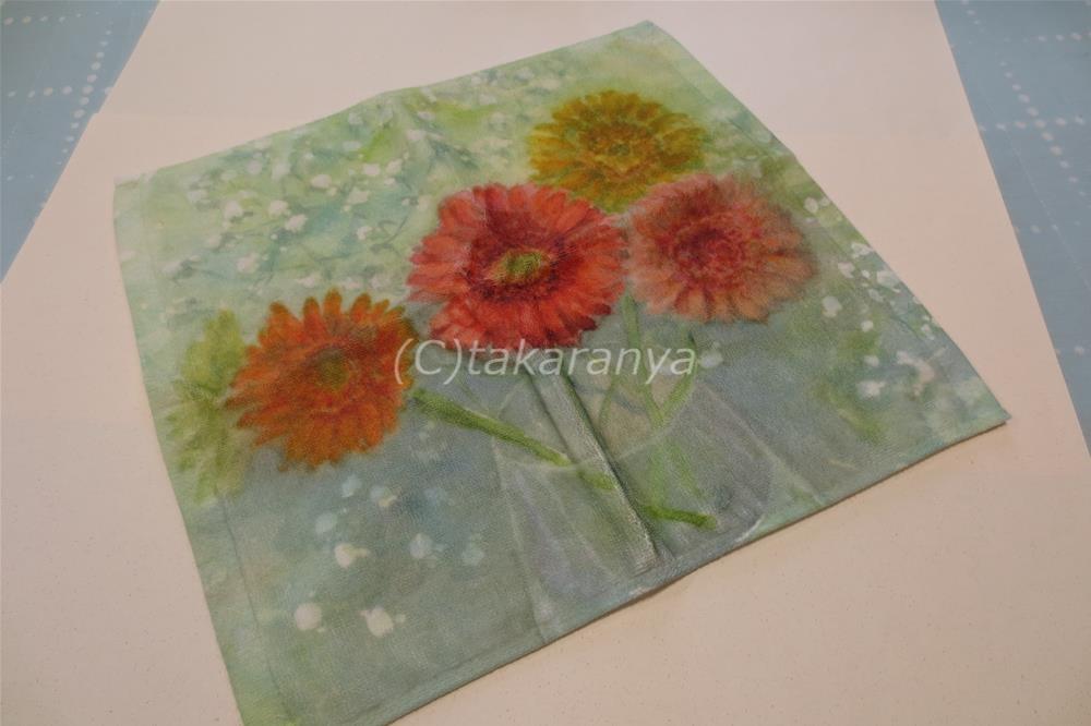 お花のハンドタオル:ガーベラとかすみ草2